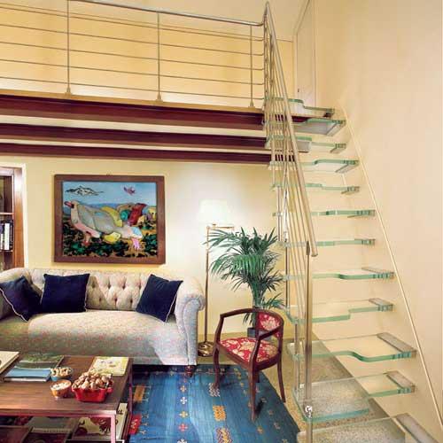 Salones con escaleras interiores cool escaleras de pasos for Salones con escaleras interiores