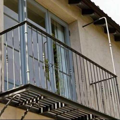 Marquesinas metalicas zona oeste zona norte pilar moreno for Balcones madera exterior